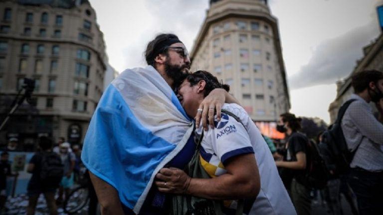 Πάνω από ένα εκατομμύριο άνθρωποι θα αποχαιρετήσουν τον Μαραντόνα | to10.gr