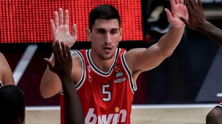 Λαρεντζάκης : «Να κλείσουμε τη σεζόν με τον καλύτερο τρόπο» | to10.gr