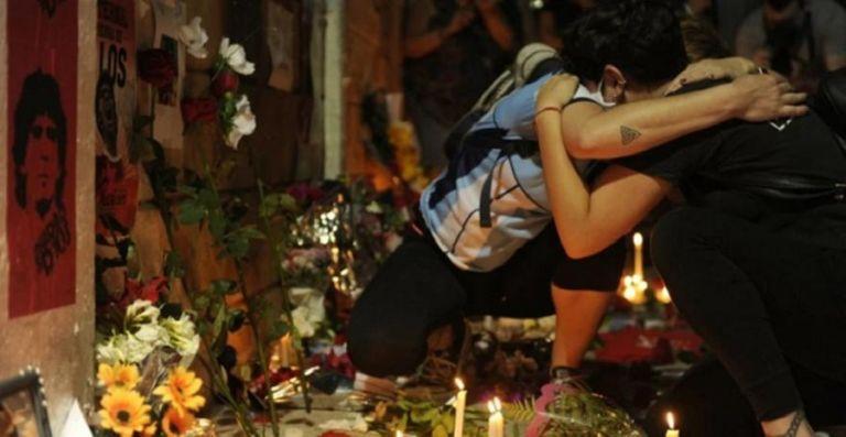Θρήνος στους δρόμους του Μπουένος Άιρες για τον Μαραντόνα   to10.gr