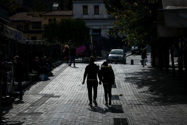 Τα θετικά μηνύματα και τα «αγκάθια» προς την άρση του lockdown | to10.gr
