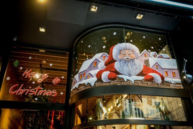 Αυστηρώς οικογενειακά τα φετινά Χριστούγεννα – Απομακρύνεται η άρση του lockdown στην Ελλάδα | to10.gr