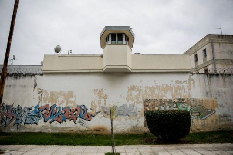 Ναρκωτικά και αυτοσχέδιο μαχαίρι εντοπίστηκαν σε έρευνα στις φυλακές Κορυδαλλού   to10.gr