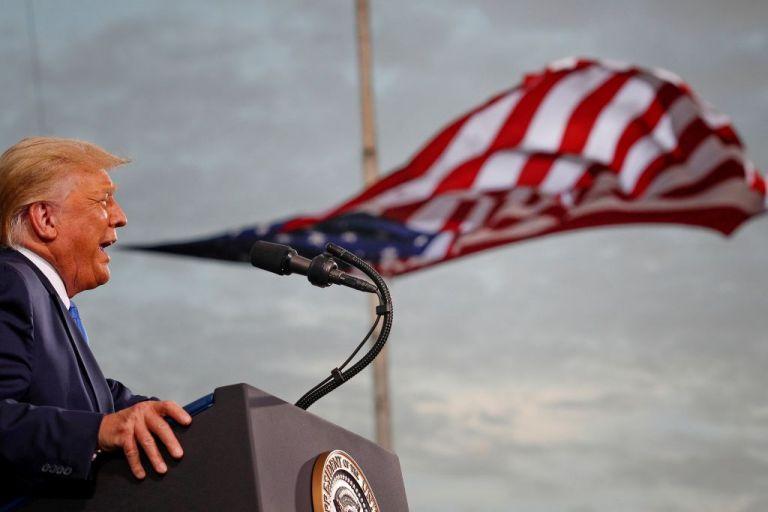 Έκθεση-κόλαφος για Τραμπ : Στο payroll του διοργανωτές της εισβολής στο Καπιτώλιο | to10.gr