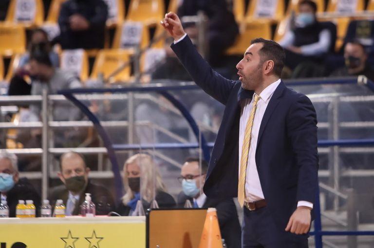 Καμπερίδης : «Να ξεκολλήσουμε από τη θέση που είμαστε» | to10.gr