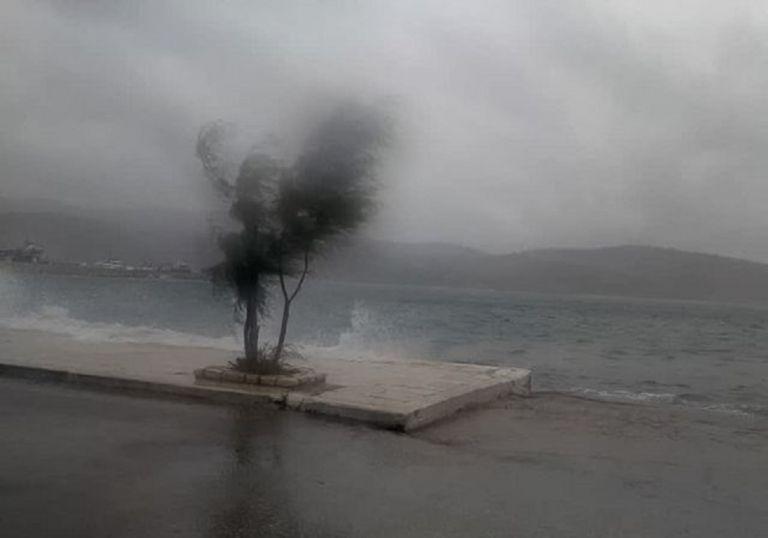 H κακοκαιρία «σαρώνει» τη χώρα : Χιονοκαταιγίδα στη Ροδόπη – Καταστροφές στην Κεντρική Ελλάδα | to10.gr
