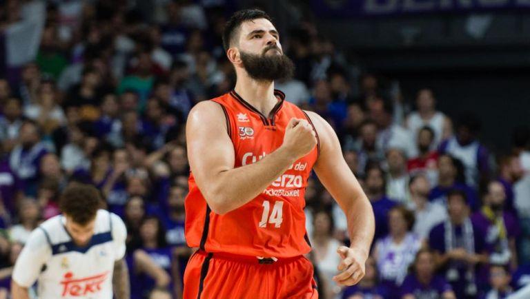Ντούμπλιεβιτς : «Τα darts με βοηθούν στο μπάσκετ» | to10.gr