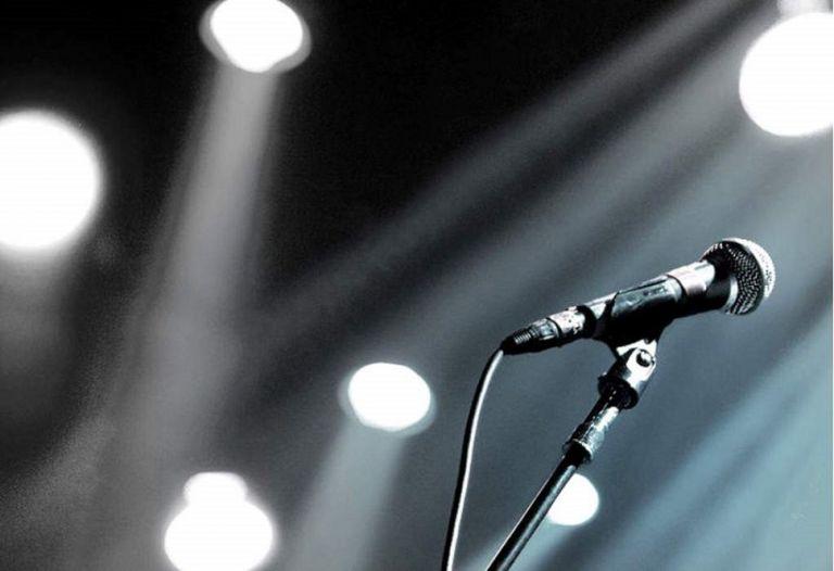 Καταγγελία για πασίγνωστο τραγουδιστή από τη γυναίκα του για άγριο ξυλοδαρμό | to10.gr