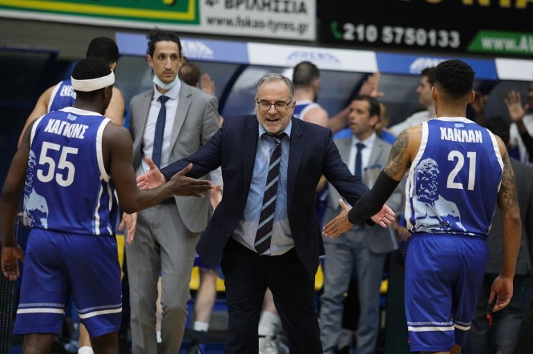 Σκουρτόπουλος : «Εξαιρετική βραδιά για την ομάδα μου» | to10.gr