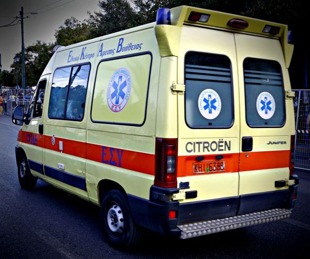 Σέρρες : Ηλικιωμένοι εγκλωβίστηκαν στο ΙΧ τους που ανατράπηκε σε τροχαίο | to10.gr