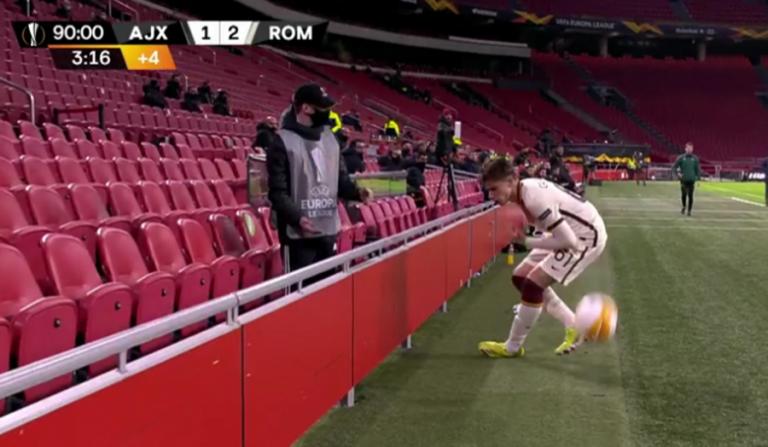 Άγιαξ – Ρόμα : Ball boy πέταξε με δύναμη την μπάλα στο πρόσωπο του Καλαφιόρι (vid)   to10.gr