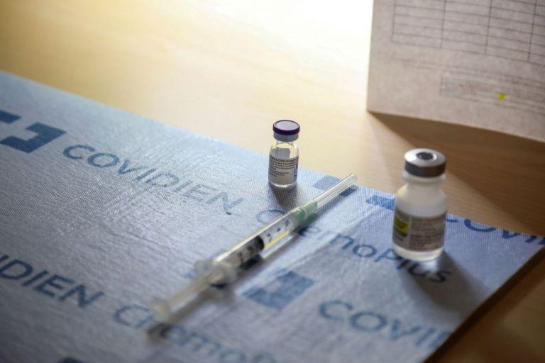 Ημέρα αποφάσεων για AstraZeneca – Τα τρία σενάρια που θα εξετάσει η Εθνική Επιτροπή Εμβολιασμών | to10.gr