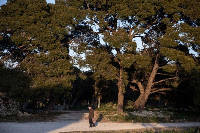 Πάσχα στο χωριό : Οι τρεις κατηγορίες πολιτών που ίσως ταξιδέψουν – Πότε «κληρώνει» για την εστίαση (vids) | to10.gr