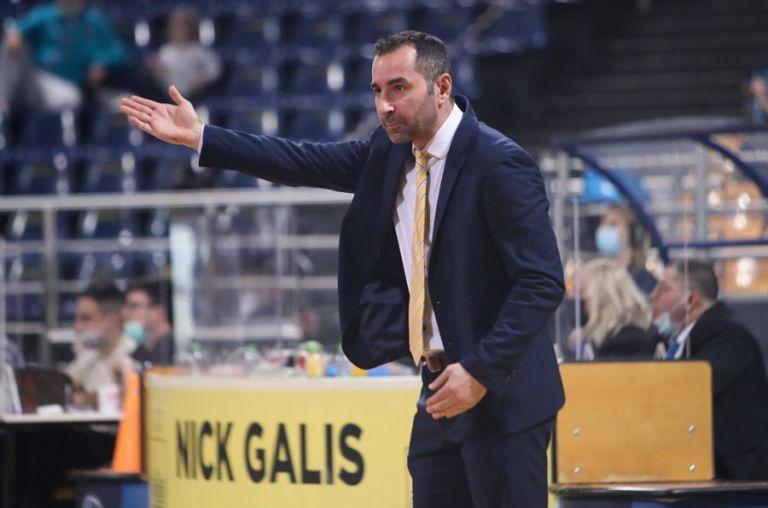 Καμπερίδης : «Υπήρξαν στιγμές που σκέφτηκα να αποχωρήσω» | to10.gr