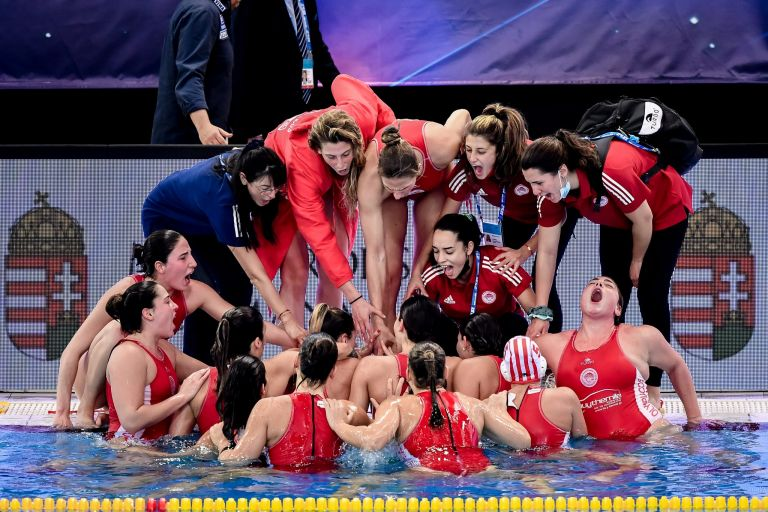 Ολυμπιακός – Ντουναϊσβάρος τελικός Final 4 Euroleague Πόλο Γυναικών στο One Channel   to10.gr