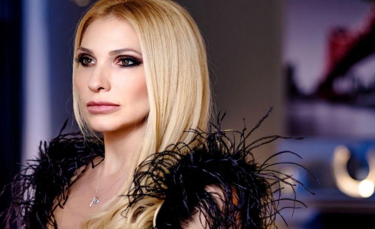 «Σε θέλω εδώ»: Το νέο τραγούδι της Αγγελικής Δάρρα   to10.gr