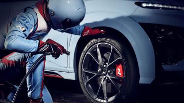 Το Hyundai Kona N σε νέες… βάρβαρες περιπέτειες   to10.gr