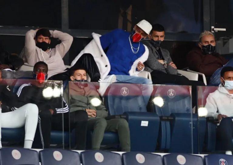 Με γούνινο παλτό ο Νεϊμάρ στο παιχνίδι της Παρί Σεν Ζερμέν (pic)   to10.gr