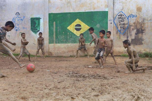 «Το ποδόσφαιρο στην σκιά και στο φως»   to10.gr