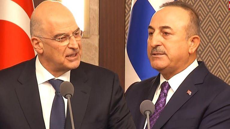 Τι αλλάζει στις ελληνοτουρκικές σχέσεις μετά το «θερμό επεισόδιο» Δένδια με Τσαβούσογλου | to10.gr