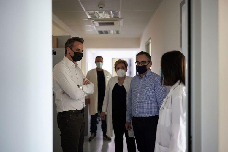 Μήνυμα αισιοδοξίας: Τελειώνουμε με την πανδημία – Ξεκινά το χτίσιμο του νέου ΕΣΥ | to10.gr