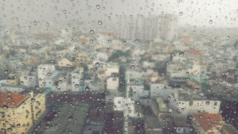 Καιρός : Βροχές με αφρικανική σκόνη και το Σάββατο – Δείτε σε ποιες περιοχές | to10.gr