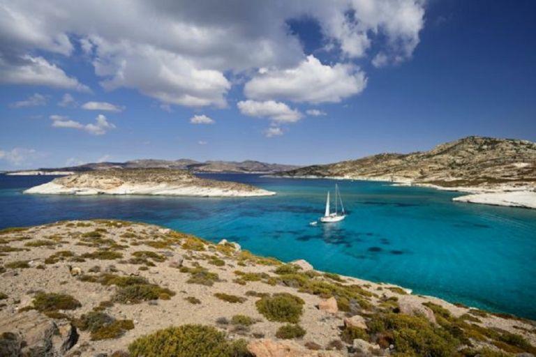 ΑΑΔΕ: Εφοριακοί με μαγιό θα παριστάνουν τους τουρίστες στα ελληνικά νησιά | to10.gr