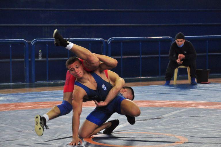 Πάλη: Αποκλείστηκε ο Τσαντικίδης, στη μάχη του Ευρωπαϊκού ο Κουγιουμτσίδης | to10.gr