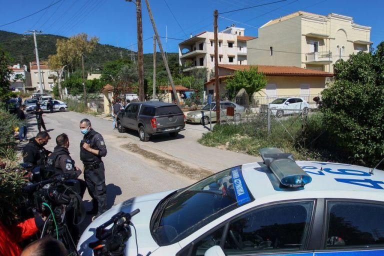 Γλυκά Νερά: Θλίψη και οργή για τη στυγερή δολοφονία της 20χρονης Καρολάιν – Πού βρίσκονται οι έρευνες | to10.gr