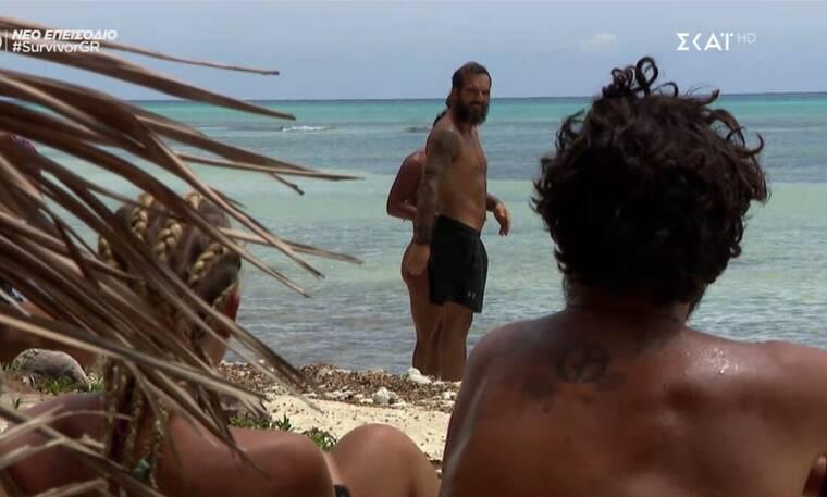 Survivor: Ο Ντάφυ κρυφάκουσε τη συζήτηση για εκείνον και έγινε το έλα να δεις στην παραλία! (vids) | to10.gr