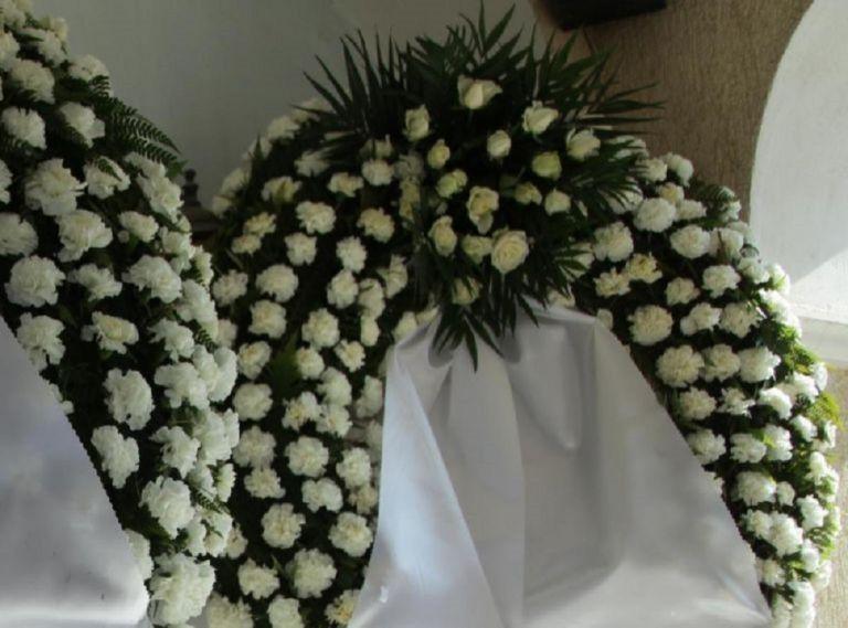 Βαρύ πένθος στην Αιτωλοακαρνανία: Συγγενείς και φίλοι αποχαιρέτησαν την 30χρονη Μαρία | to10.gr