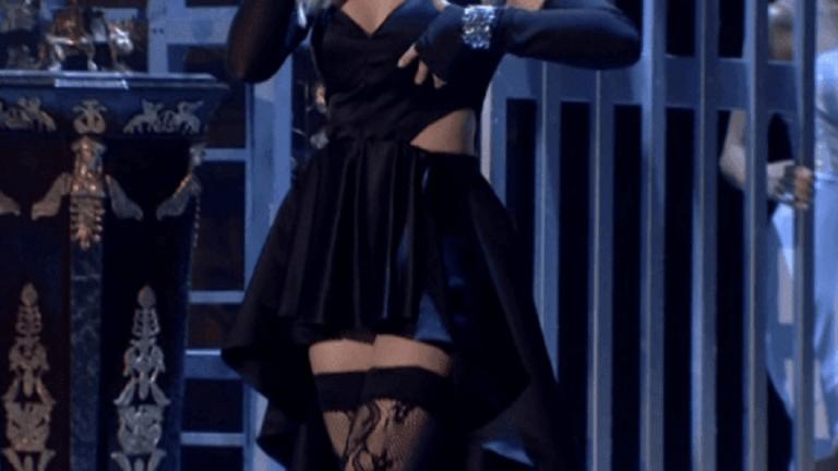 House of fame: Όταν η μαύρη ζαρτιέρα «μοίρασε εγκεφαλικά» στη σκηνή (vid) | to10.gr
