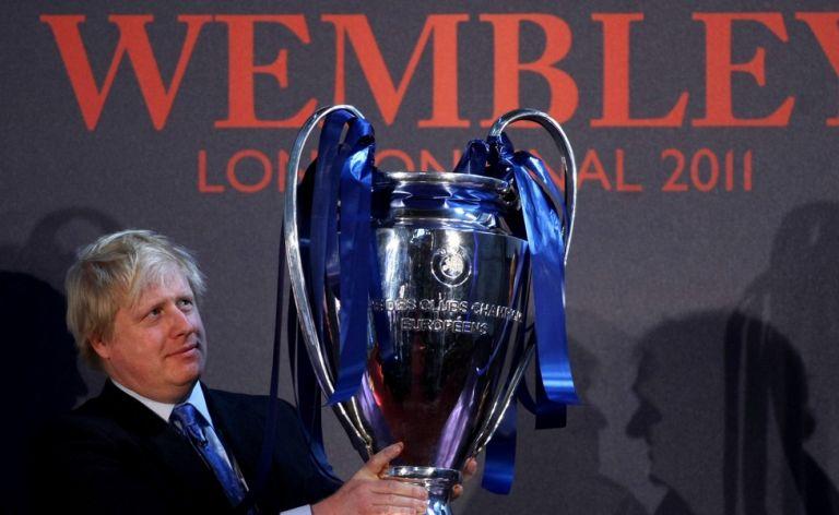 Τζόνσον σε UEFA: «Θα ήταν υπέροχο να φιλοξενήσουμε τον τελικό στην Αγγλία» | to10.gr
