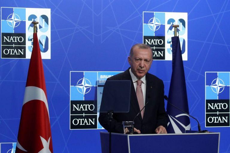 Ερντογάν: Αυτά είπα με τον Μητσοτάκη – «Δεν υπάρχει λόγος να μπαίνουν τρίτοι ανάμεσα μας»   to10.gr