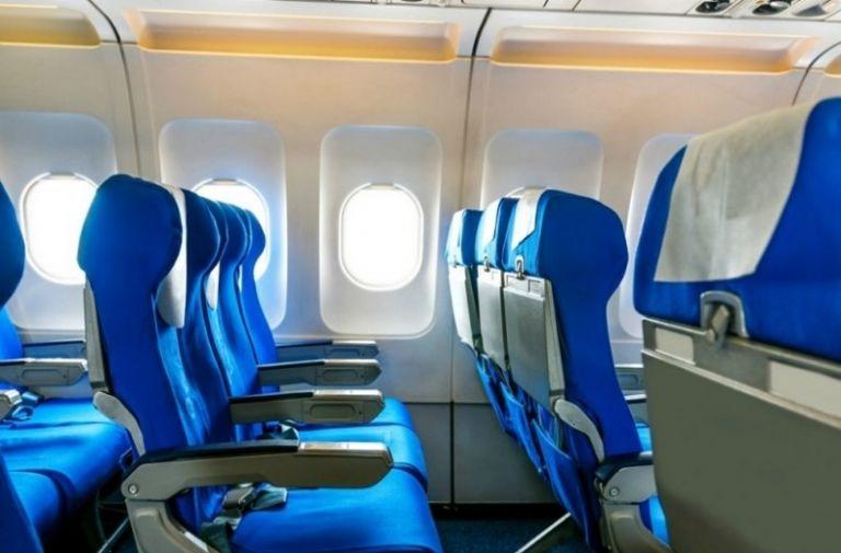 Δεν θα πιστέψετε το λόγο που τα καθίσματα των αεροπλάνων είναι μπλε | to10.gr