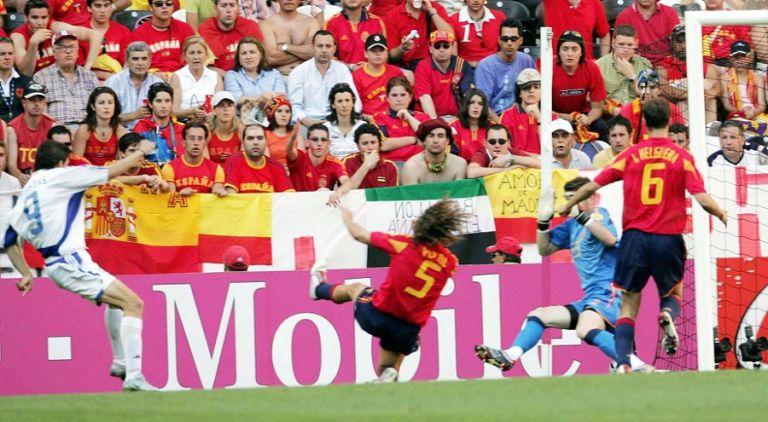 Euro 2004: «Χρυσός» βαθμός με την Ισπανία και αγκαλιά με την πρόκριση (vid)   to10.gr