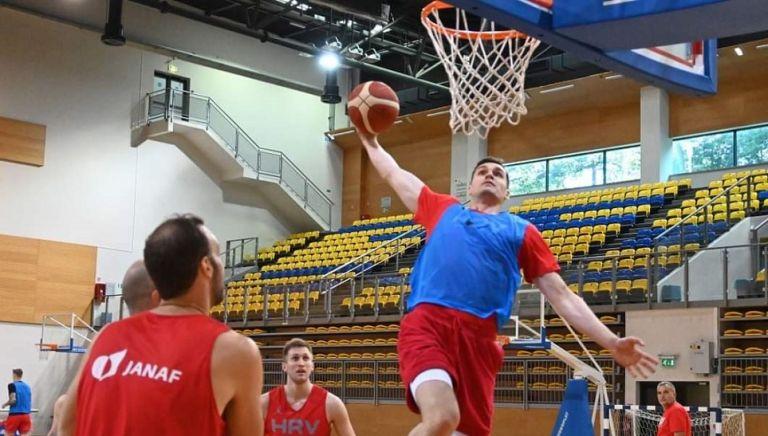 Ξεκίνησε προπονήσεις με την Κροατία ο Χεζόνια (pic)   to10.gr