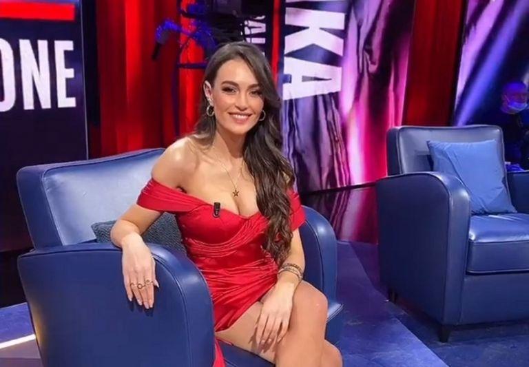 Η «καυτή» Εύα Μουράτι τρελαίνει την αλβανική τηλεόραση (pics)   to10.gr