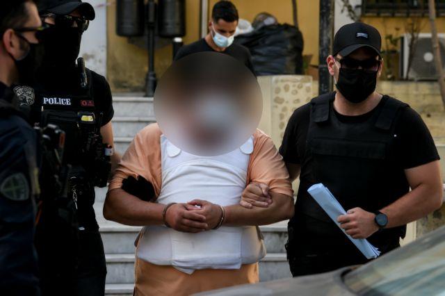 Πετράλωνα: Προφυλακίστηκε ο βιαστής της 50χρονης – Χτυπούσε το κεφάλι του στον τοίχο | to10.gr