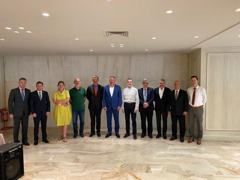 Προεδρική συνάντηση εργασίας υπό την αιγίδα της Ευρωπαϊκής Ομοσπονδίας Ξιφασκίας | to10.gr