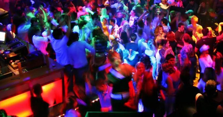 Επιστρέφει η νυχτερινή διασκέδαση: Ανοίγουν τα νυχτερινά κέντρα και μπαρ σε κλειστούς χώρους   to10.gr
