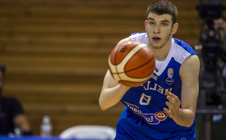 Ρογκαβόπουλος: «Πολύ τιμητικό να είμαι στην Εθνική με τέτοιους συμπαίκτες» | to10.gr