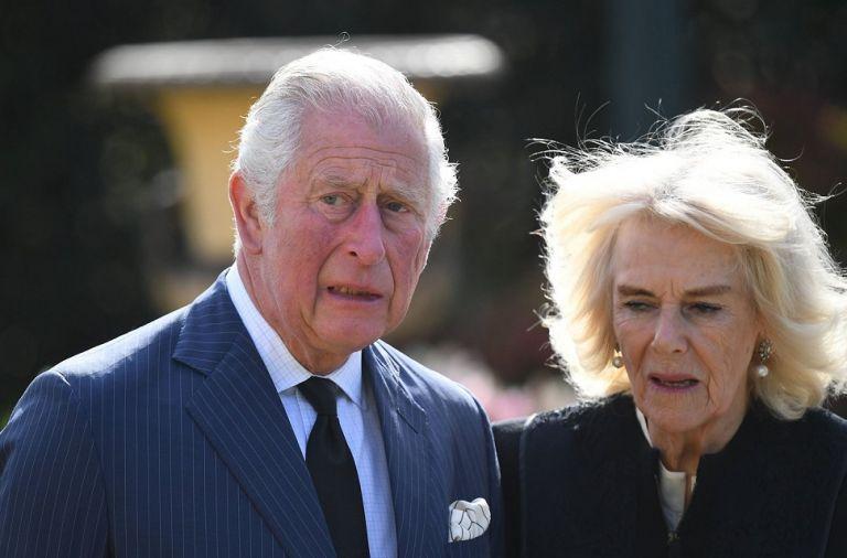 Βρετανία: «Βόμβες» για Κάρολο και Καμίλα από 55χρονο – «Είμαι γιος σας» | to10.gr