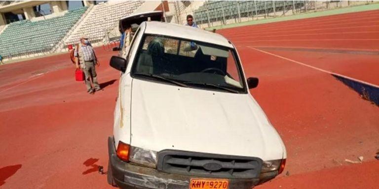 Απίστευτο τροχαίο μέσα στο Πανθεσσαλικό με δύο τραυματίες! (pics)   to10.gr