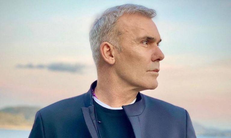 Στέλιος Ρόκκος: Βαρύ πένθος για τον τραγουδιστή – Πέθανε ο αδελφός του   to10.gr