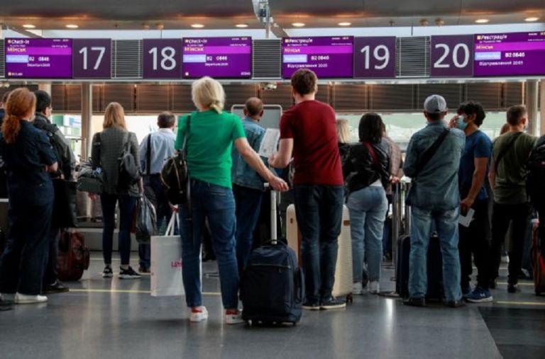 Βρετανία: Aυξάνονται τα ταξίδια παρά τους περιορισμούς της Covid-19   to10.gr