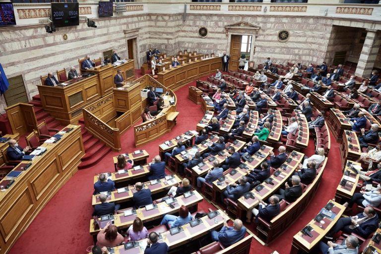 Εργασιακό: Με τις 158 ψήφους της ΝΔ υπερψηφίστηκε το νομοσχέδιο | to10.gr