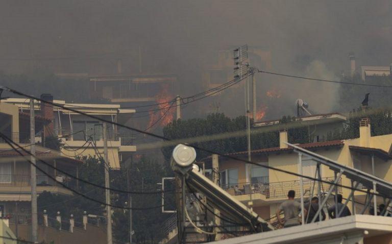 Ολονύκτια μάχη με τις φλόγες στην Αχαΐα – Ενισχύθηκαν οι δυνάμεις της πυροσβεστικής | to10.gr