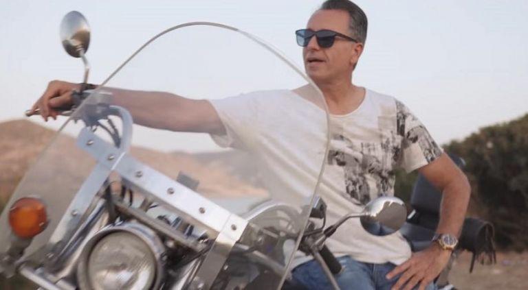 Αλέξης Νείρος «Μόνο για μια στιγμή»: Ακούστε το νέο του τραγούδι με την υπογραφή του Νίκου Τερζή (vid) | to10.gr