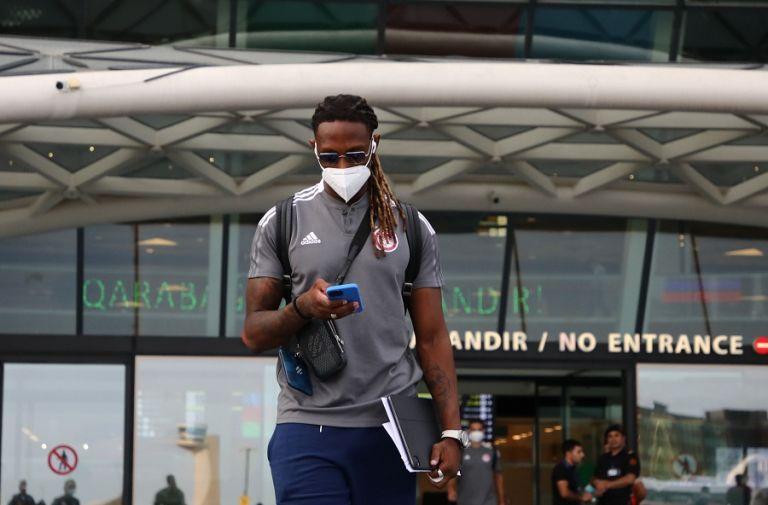 Έφτασε στο Μπακού ο Ολυμπιακός (pics)   to10.gr
