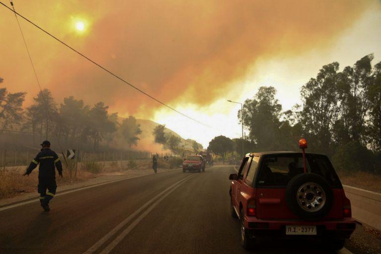 Κόλαση φωτιάς στην Αχαΐα – Εκκενώθηκαν κατασκήνωση και ξενοδοχείο – Απομακρύνθηκαν δεκάδες άτομα από παραλίες   to10.gr